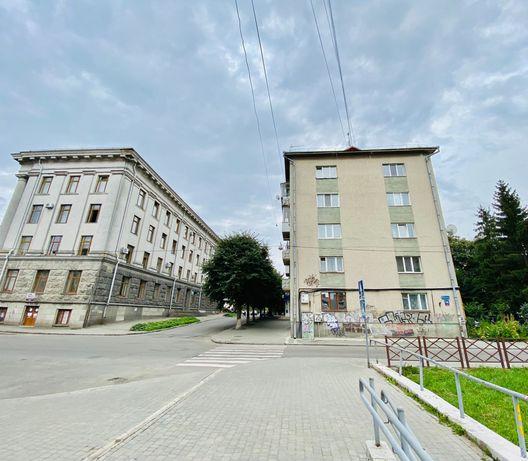 2 кім. квартира в центрі міста (1-й поверх)