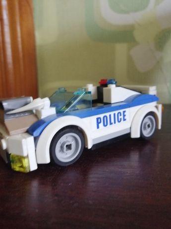 Машинка Lego тюнингованая