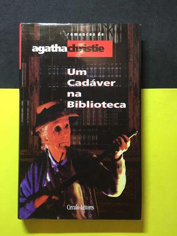 Agatha Christie - Um cadáver na biblioteca (Portes CTT Grátis)