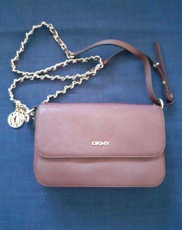 Pochette DKNY 20x15