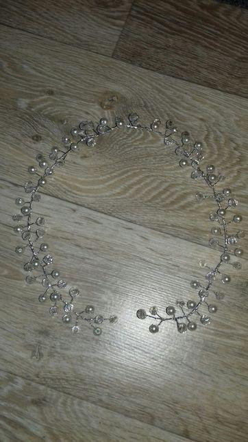 Wianek z perelek