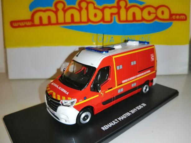 Miniatura Renault Master bombeiros