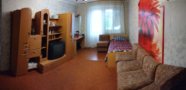 Здається окрема кімната для дівчини