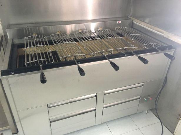 Grelhador/Churrasqueira a carvão rotativo com 5 grelhas
