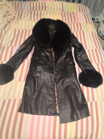 Пальто кожаное с натуральным мехом финского песца