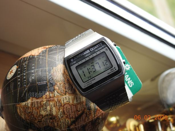 Zegarek Junghans Quartz Time commander. LCD