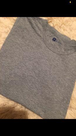 Szara koszulka marki GAP