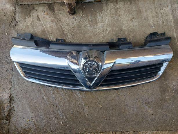 Решітка радіатора Опель Зафіра Б решетка радиатора Opel Zafira B ідеал