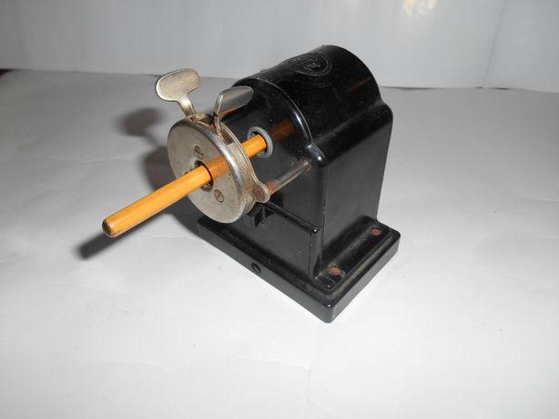 Агрегат для заточки карандашей