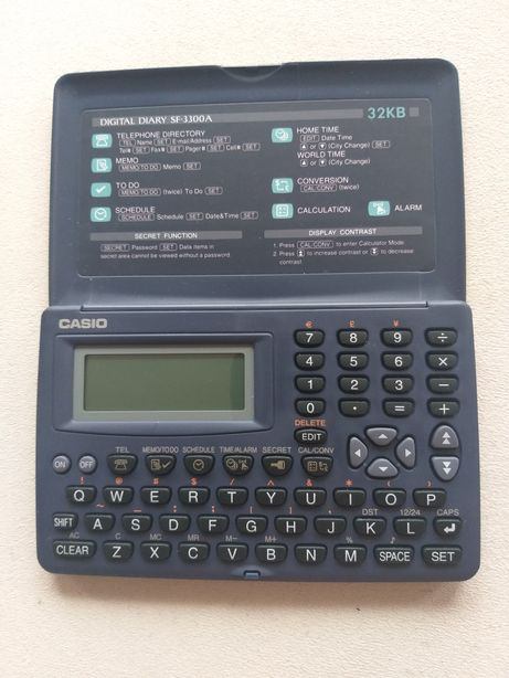 Kalkulator Organizer Casio, model SF 3300 A - stan idealny