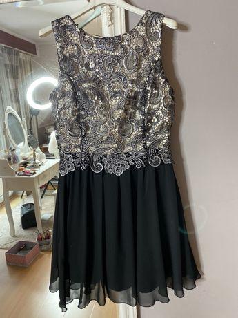 Sukienka na imprezę rozkloszowana czarna na sylwestra m