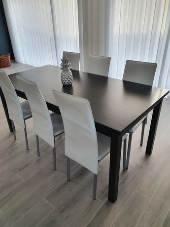 mesa de jantar preto carvalho 180cm/90cm, com 6 cadeiras branco napa.