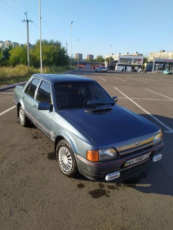 Машина Ford Orion