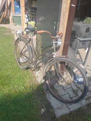 Sprzedam stary, używany rower za 200 zł.