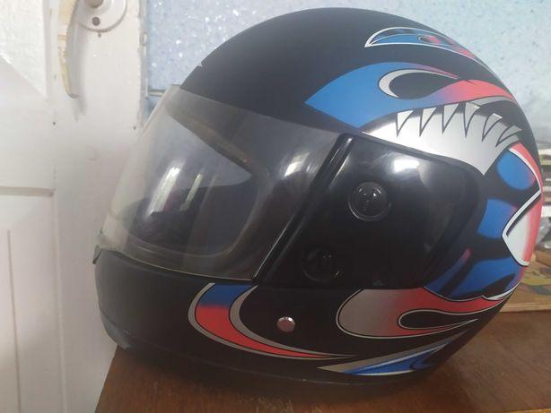 Продам шлем ( 2 шт в наличии)