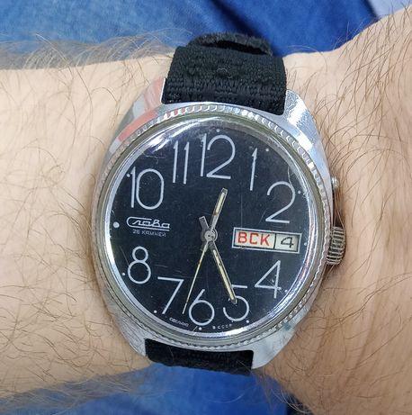 Часы Слава 26 камней сделано в СССР завода хватает на 48 часов