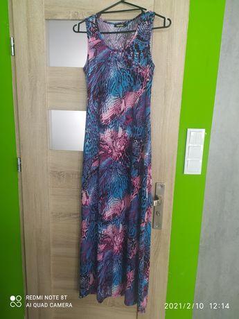 Długa elastyczna sukienka