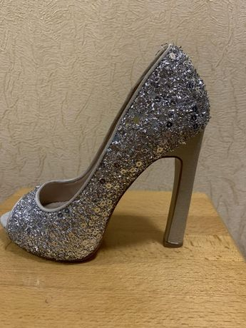 туфли женские парадные.