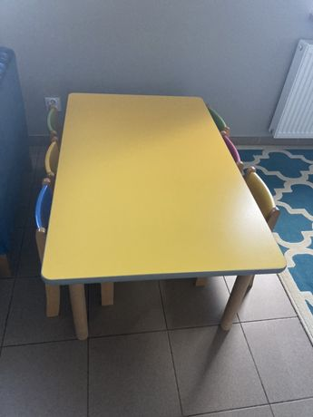 Stolik i 6 krzesełek