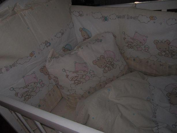 Постельный комплект в кроватку с бортиками