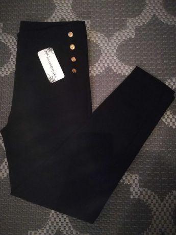 Jeguins preto e camel. Disponível de L a 2XL. 8€
