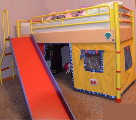 Детская кровать с горкой и домиком для игры Cilek