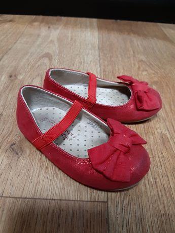 Нарядные праздничные туфли стелька 13 см кросовки george