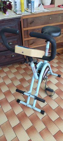 Máquina exercício pernas bicicleta