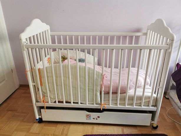 Łóżeczko dziecięce białe