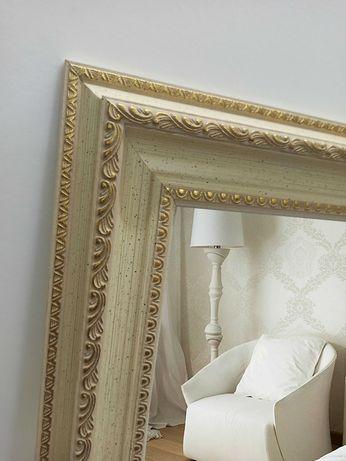 Зеркало в ажурной рамке