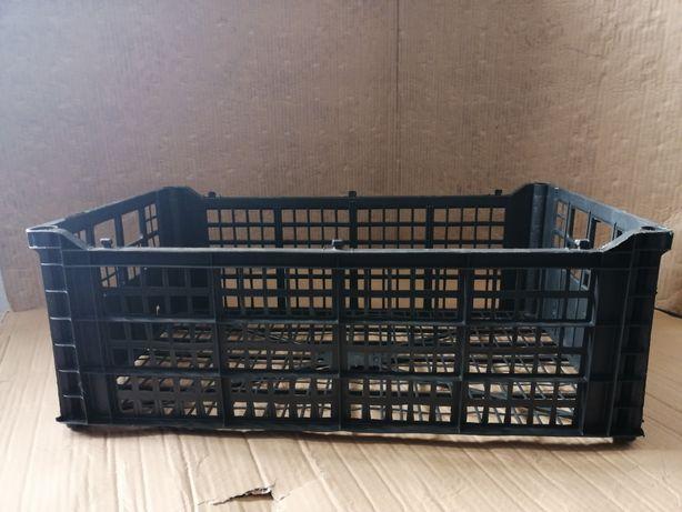Caixas plástico 0,50€, caixas de madeira 0.50, caixas pequenas 0,30