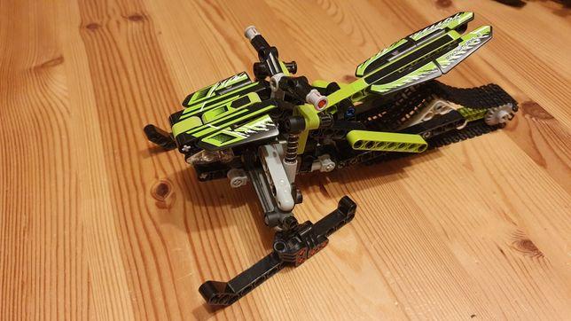 Lego Technic 42021 skuter śnieżny 2w1
