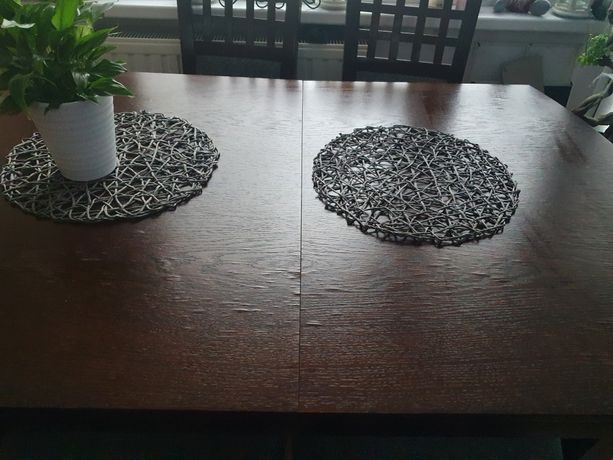 Stół i krzesła komplet (może byc również z narożnikiem )