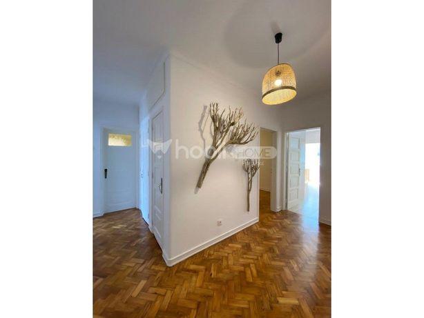 Apartamento T2, para Venda, em S. Domingos de Benfica