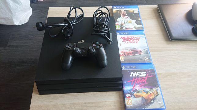 Konsola PLAYSTATION PS4 PRO +3 gry