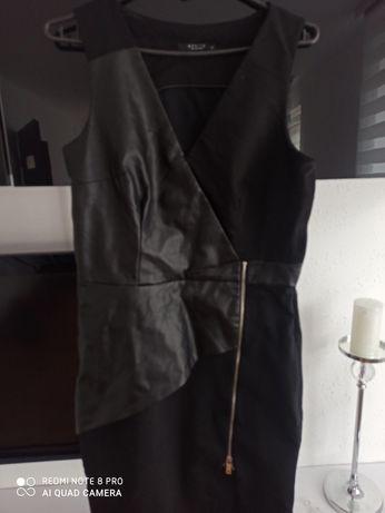 Sukienka czarna z wstawkami ze skóry