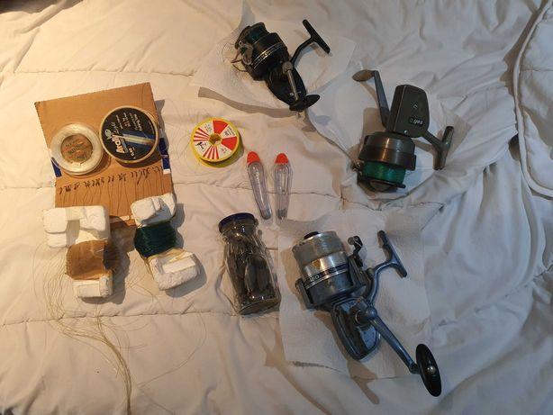 Tres Carretes de pesca + accesorios