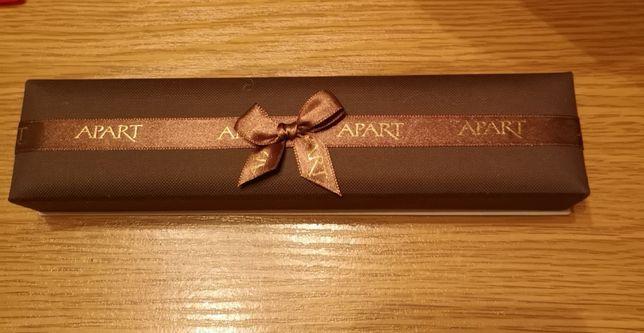 Pudełko na biżuterię firmy Apart, bronsoletka