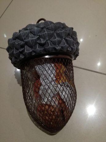 Solidny Karmnik dla ptaków w kształcie żołędzia