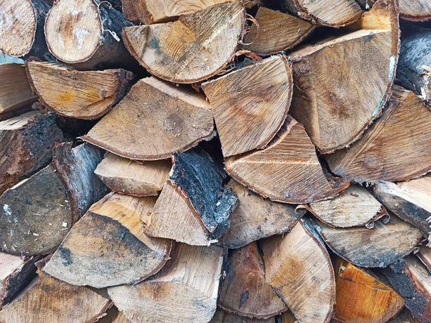 Drewno kominkowe (brzoza olcha buk dąb) poukładane transport