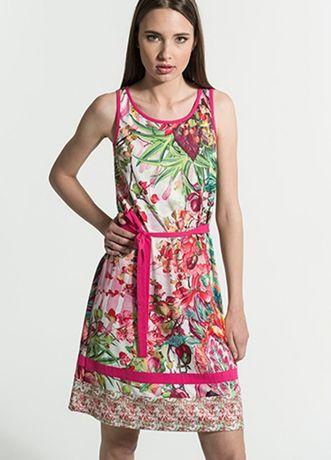 Vestido colorido de verão