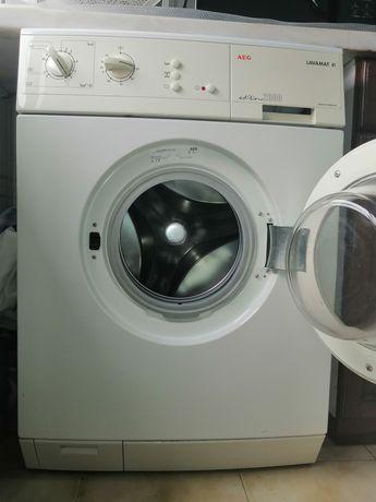 Máquina de lavar roupa AEG. Em excelente estado
