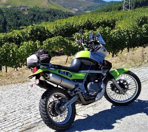 Kawasaki KLE 500 com muitos extras.