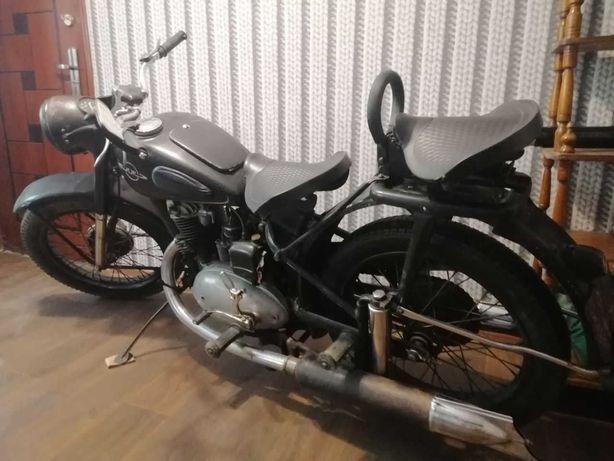 Иж49 1956гв.В оригинальной советской краске и хроме.Комплектный 100%