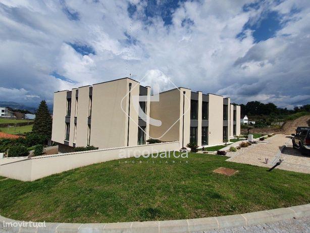 T2 em Arcos de Valdevez, novo, óptimas vistas, 157.000€