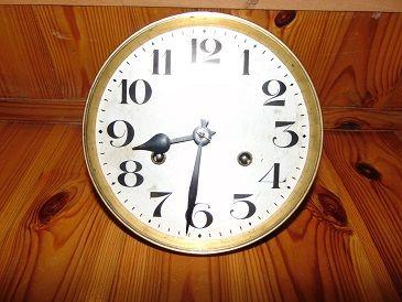 Mechanizm do zegara przedwojennego,mechaniczny i bateryjny.