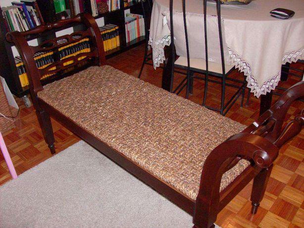 Canapé em madeira com entrançado, entrega em mão