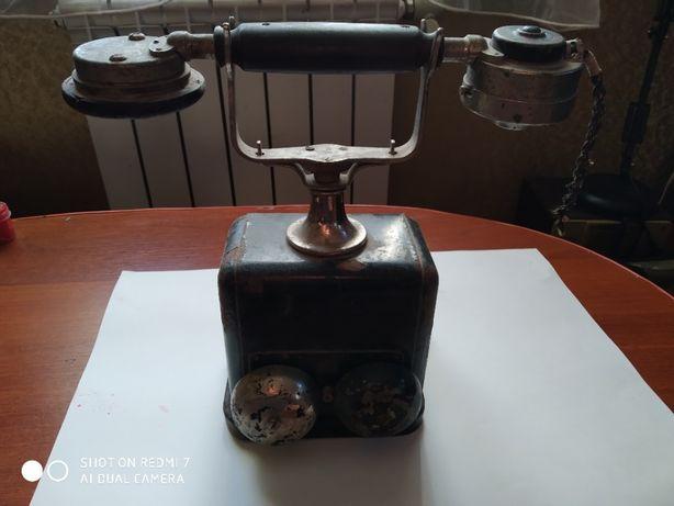Продам старинный телефон