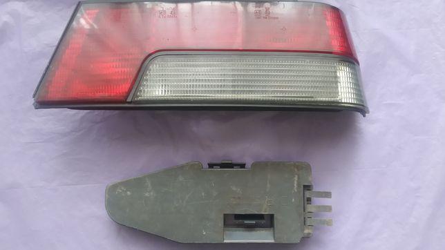 Задний фонарь Peugeot 405