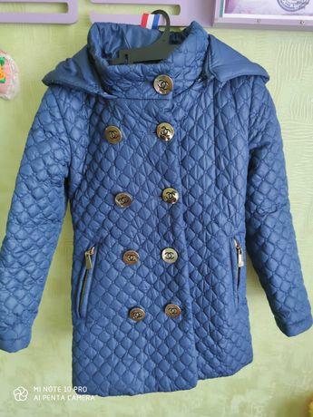 Осеннее пальто на девочку 3-4 лет